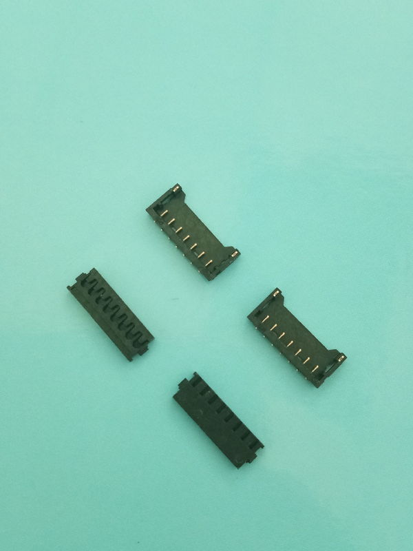 Single Row SMT Header Connector 1.2mm Pitch With Gold - Plated Contact Pins